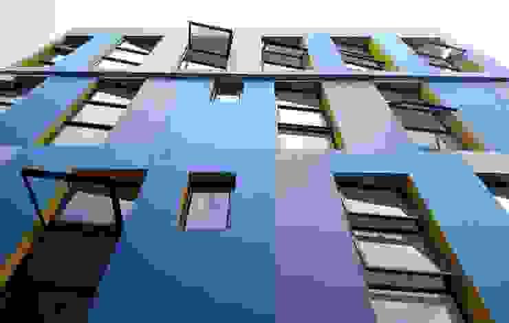 by SAAV Arquitectos Modern