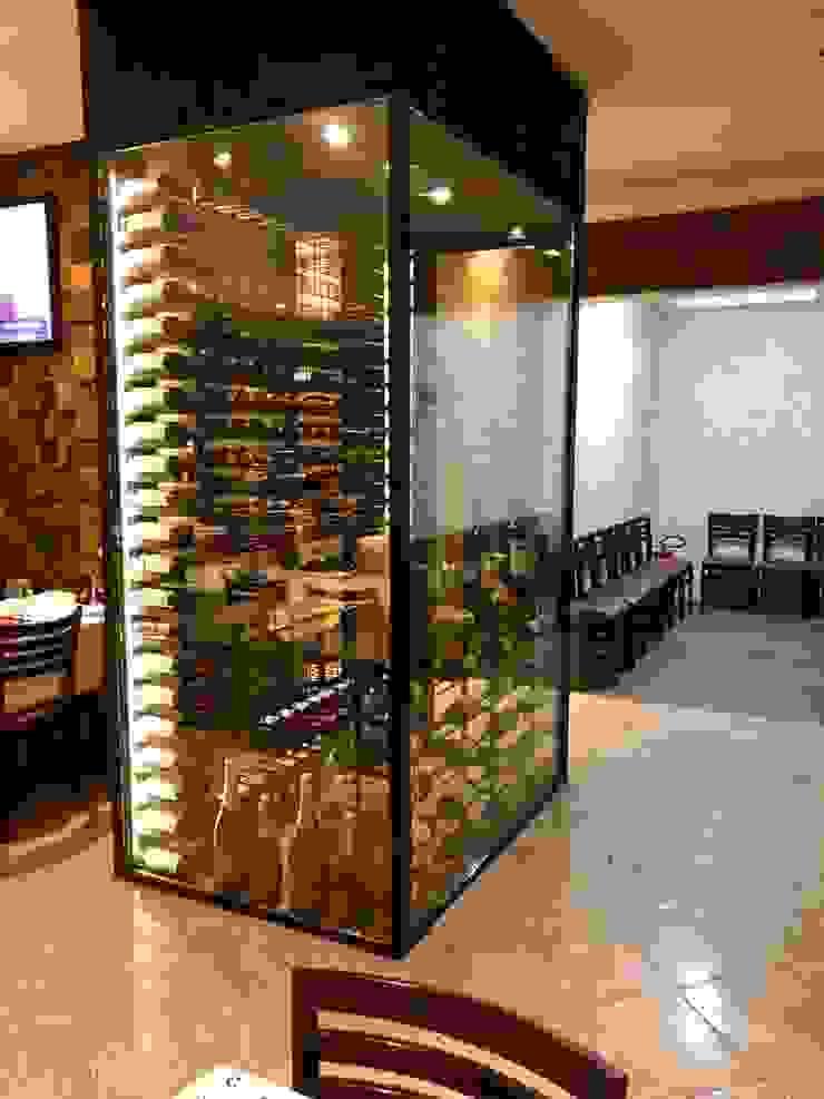 EDR - Adegas Climatizadas Modern wine cellar Glass Transparent