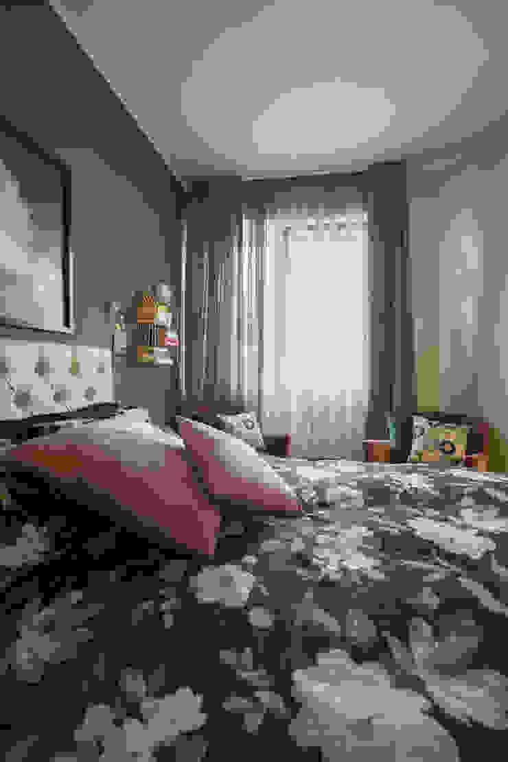 CASA TY Camera da letto eclettica di ALMA DESIGN Eclettico