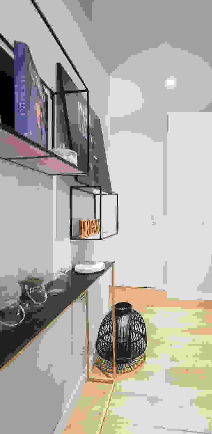 CASA TY Ingresso, Corridoio & Scale in stile moderno di ALMA DESIGN Moderno
