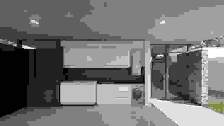 ARBOL Arquitectos Rustic style garage/shed