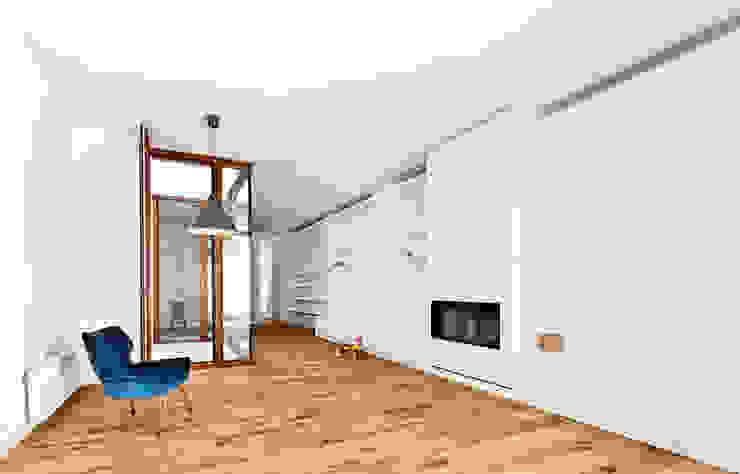 Salón Comedores de estilo moderno de ESTUDI NAO arquitectura Moderno