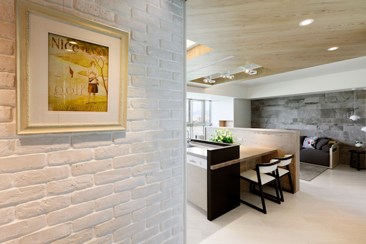 河岸對話 現代風玄關、走廊與階梯 根據 拾雅客空間設計 現代風 水泥