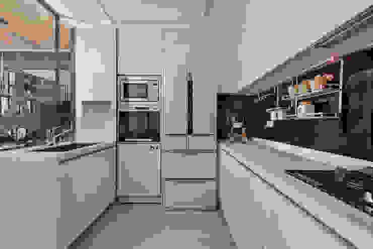 藏旅 現代廚房設計點子、靈感&圖片 根據 拾雅客空間設計 現代風 合板