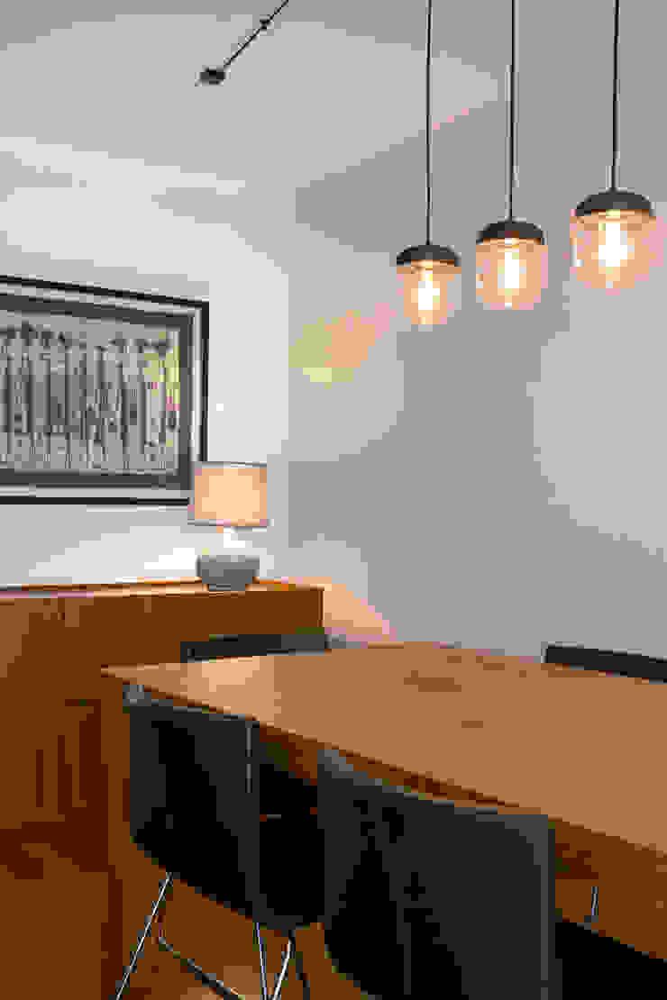 Traço Magenta - Design de Interiores Phòng ăn phong cách hiện đại
