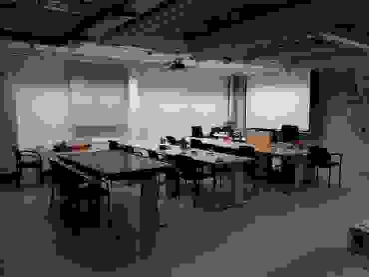 Vorher Schulungsraum - Mehr Hygge bitte! - Räume werden Teil der Unternehmenskultur von Interiordesign - Susane Schreiber-Beckmann gestaltet Räume.