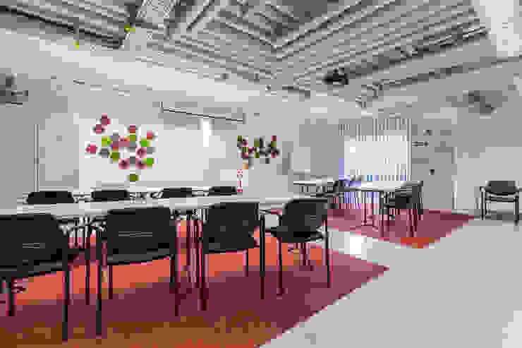 Nachher Schulungsraum - hyggelig! - Räume werden Teil der Unternehmenskultur von Interiordesign - Susane Schreiber-Beckmann gestaltet Räume.