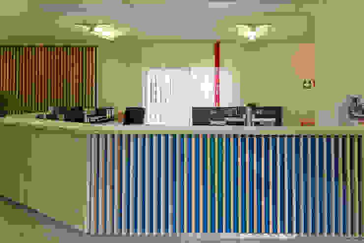 Nachher Empfang - hyggelig! Räume werden Teil der Unternehmenskultur von Interiordesign - Susane Schreiber-Beckmann gestaltet Räume.