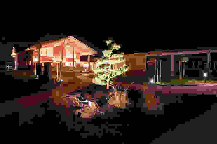 Garten in Szene gesetzt von Skapetze Lichtmacher Landhaus