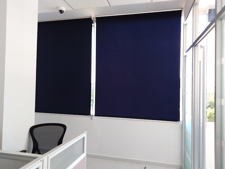 Persiana Enrollable en Oficina de Persianas Jaramillo B CDMX Minimalista Textil Ámbar/Dorado