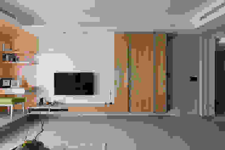 清雅居 现代客厅設計點子、靈感 & 圖片 根據 拾雅客空間設計 現代風 合板