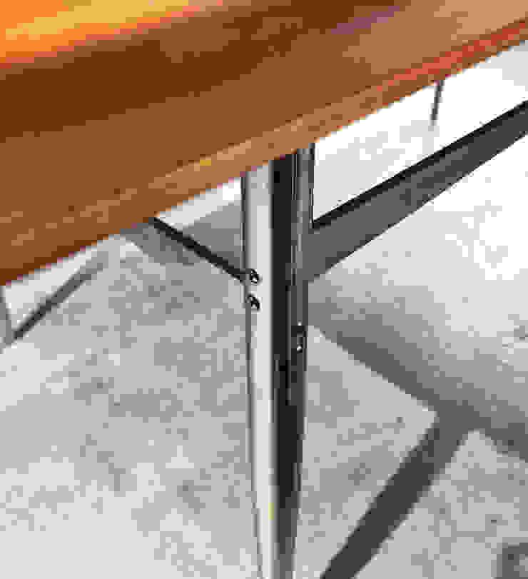木耳生活藝術-實木桌設計/雪雁飛餐桌: 現代  by 木耳生活藝術, 現代風 實木 Multicolored