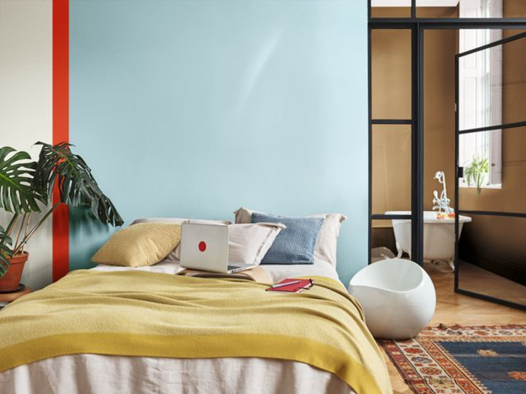 A vibrant place to act - Dulux Colour of the Year 2019 Dulux UK Phòng ngủ phong cách hiện đại Blue