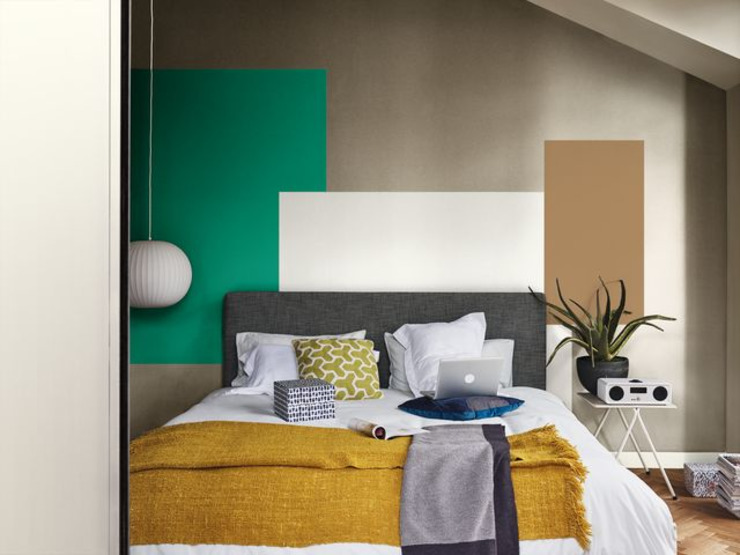 How to use Dulux Colour of the Year 2019 in your bedroom Dulux UK Phòng ngủ phong cách hiện đại Multicolored
