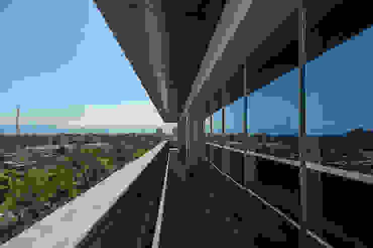 Torre Lev - ARCO Arquitectura Contemporánea Pasillos, vestíbulos y escaleras modernos de ARCO Arquitectura Contemporánea Moderno