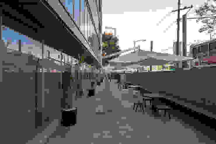 Torre Lev - ARCO Arquitectura Contemporánea Balcones y terrazas modernos de ARCO Arquitectura Contemporánea Moderno