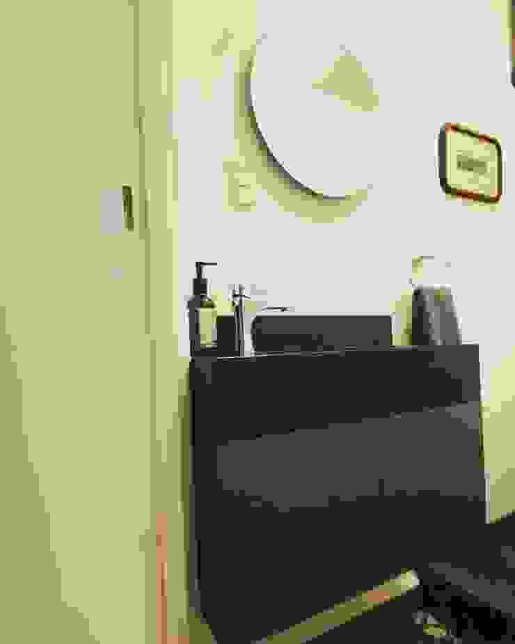 Mueble de baño MOKALI Carpintería Residencial BañosLavabos Madera Gris