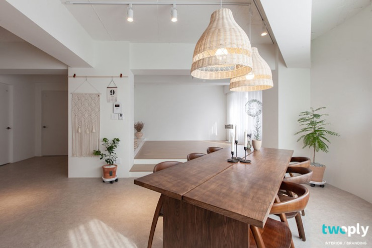 전주인테리어 모던하면서 동양적인 상가주택 인테리어 아시아스타일 거실 by 디자인투플라이 한옥