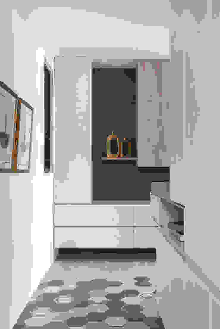 浮 ‧孵 斯堪的納維亞風格的走廊,走廊和樓梯 根據 知域設計 北歐風