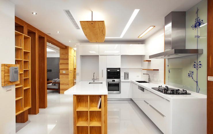 木耳生活藝術-建築設計暨室內設計/雲居蔚藍 現代廚房設計點子、靈感&圖片 根據 木耳生活藝術 現代風 實木 Multicolored