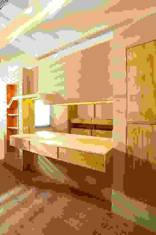 木耳生活藝術-實木家具設計/衣櫃 書櫃 根據 木耳生活藝術 實木 Multicolored