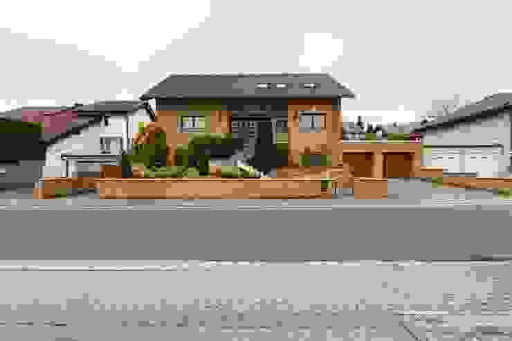 Zweifamilienhaus in Taunusstein von WITA Immobilien Klassisch