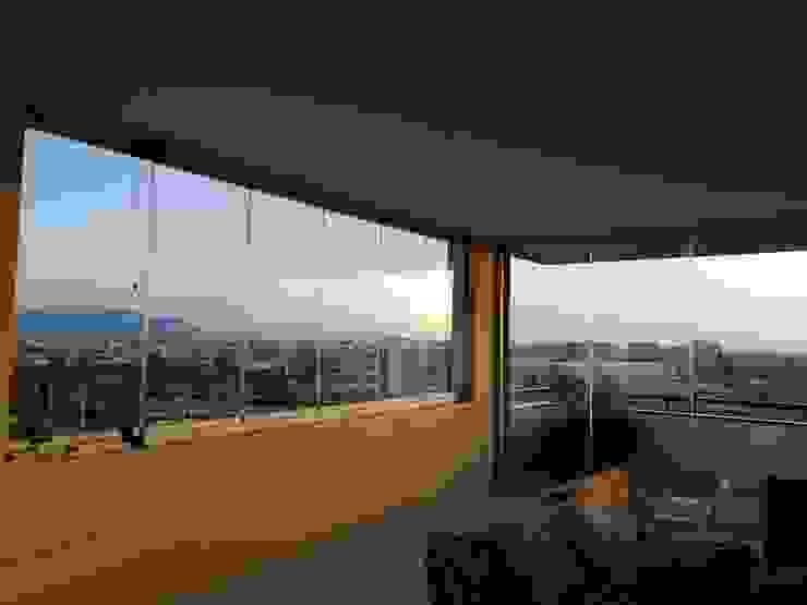 VETRATE CHIRENTI T.S.M. S.r.l. Balcone, Veranda & Terrazza in stile minimalista Vetro Trasparente
