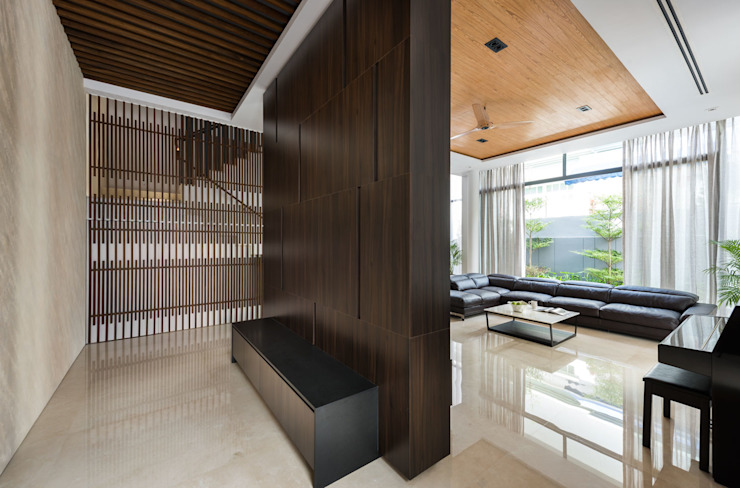 Green Wall House - Living room Modern living room by ADX Architects Pte Ltd Modern Engineered Wood Transparent