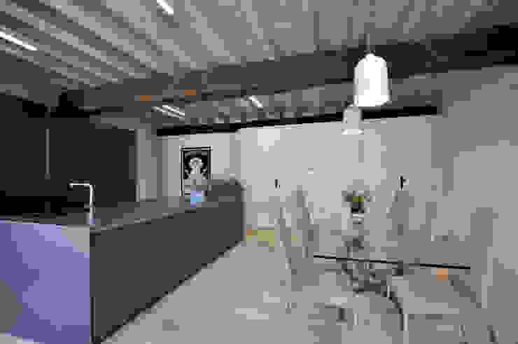 #89A Cucina moderna di SFERICO ARCHITETTI Moderno