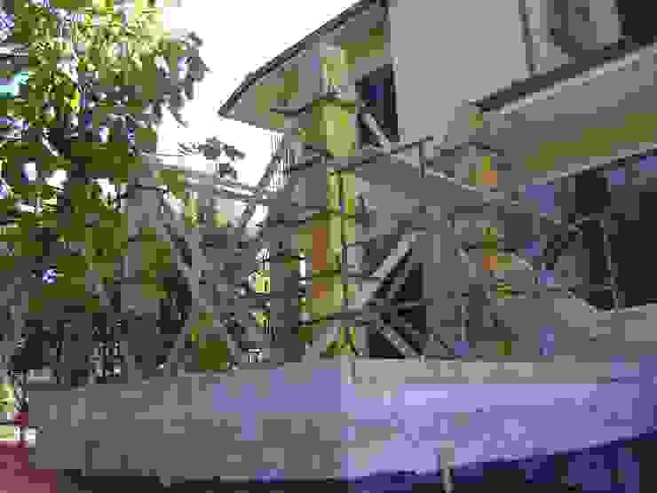 Getto dei pilastri durante la fase di cantiere di Arch. Sara Pizzo - Studio 1881 Mediterraneo