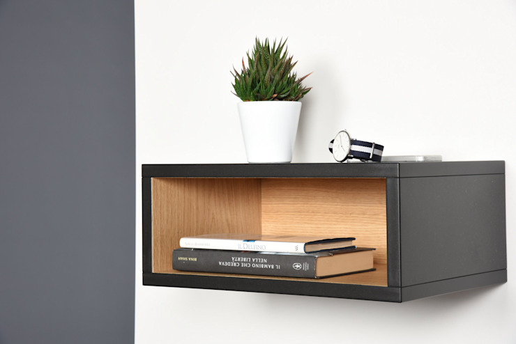 Open Floating Nightstand / Hall floating table entryway console in solid Valcromat / Bedside scandinavian mid century modern / Side table di Ebanisteria Cavallaro Moderno Legno composito Trasparente
