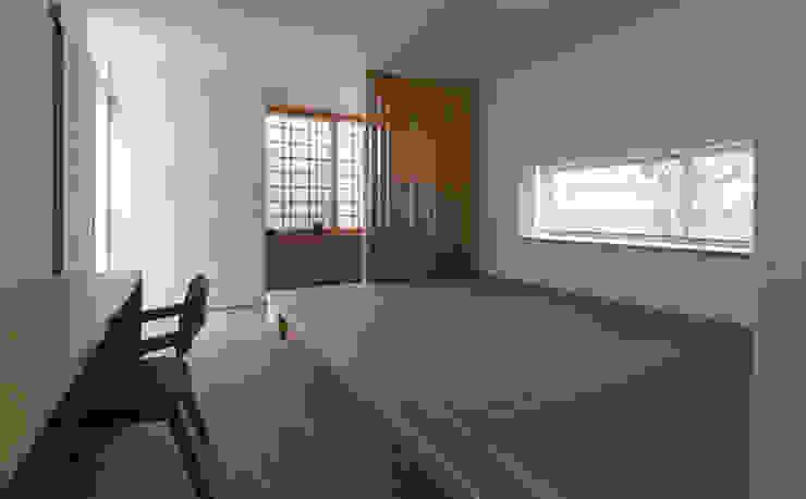 環アソシエイツ・高岸設計室 Camera da letto in stile asiatico