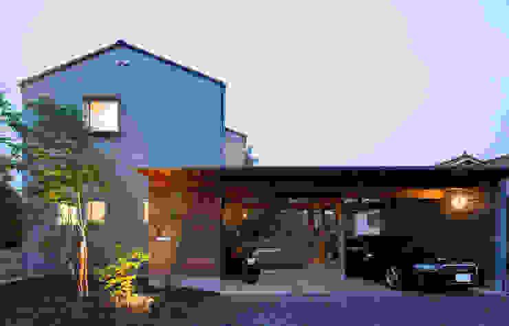 西面より外観を見る の 松原建築計画 一級建築士事務所 / Matsubara Architect Design Office モダン 金属