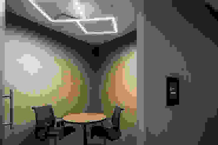 Prototype studio Study/office