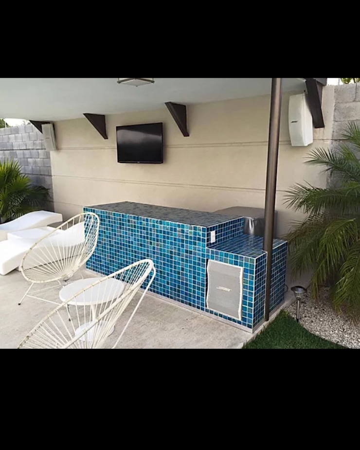 Minimalistische balkons, veranda's en terrassen van AUDIA BAJIO Minimalistisch Metaal
