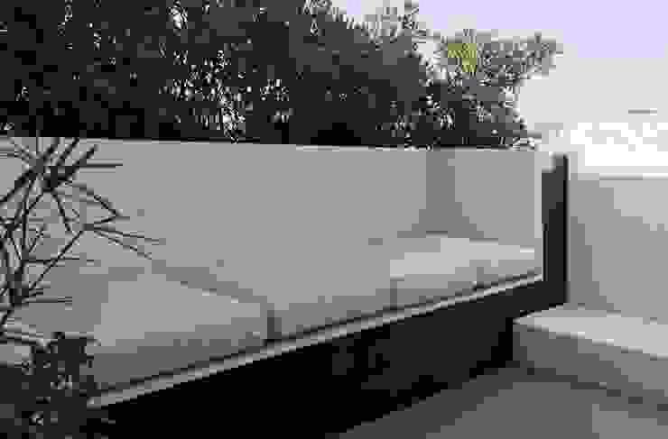 studioSAL_14 Balconies, verandas & terraces Furniture Marble White