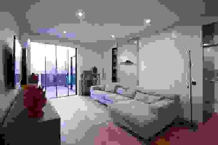 studioSAL_14 Modern Living Room Wood White