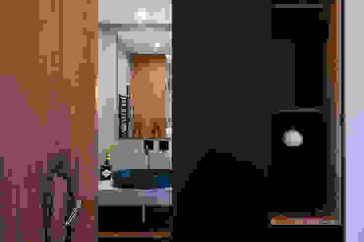 studioSAL_14 Modern Bathroom Wood Grey