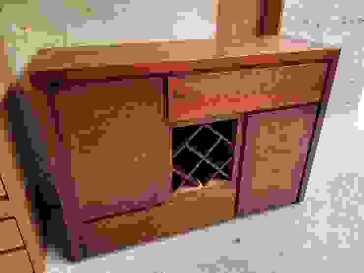 Bufet con cava para botellas muebles GC ComedorBotelleros Madera maciza Acabado en madera