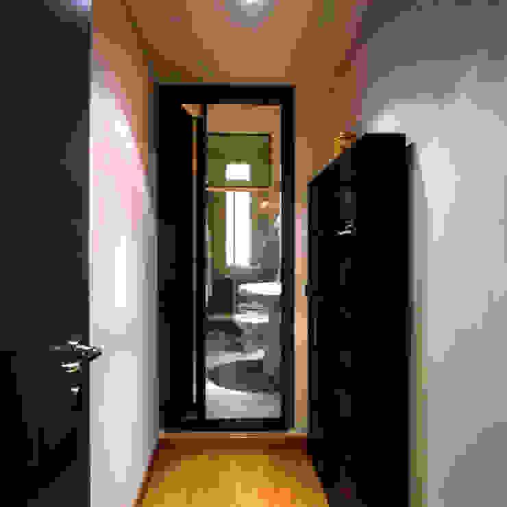 Studio di Architettura, Interni e Design Feng Shui Minimalist Banyo