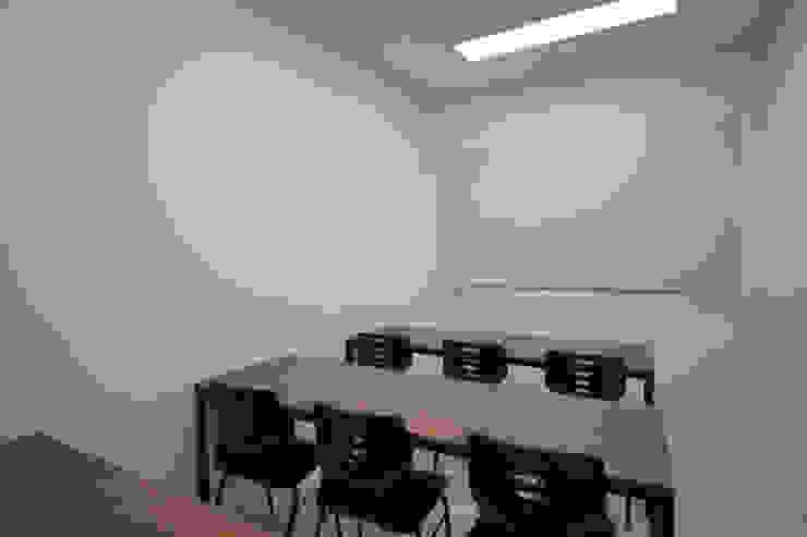원주 브릿지 영어학원 50평형 인테리어 지중해스타일 미디어 룸 by 주식회사 큰깃 지중해