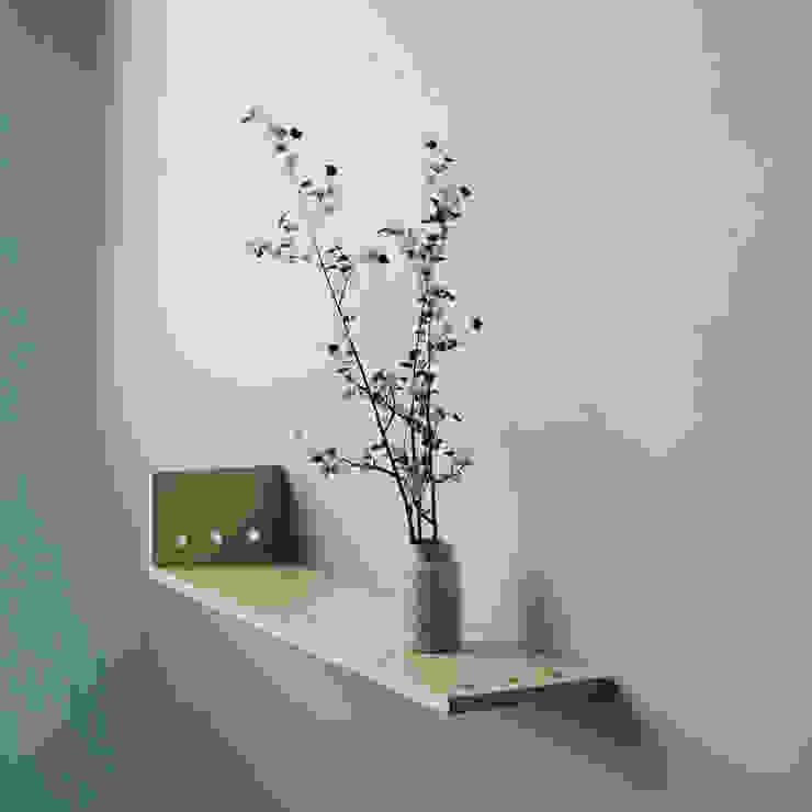 NKX: WOOD SHELF homify HouseholdAccessories & decoration Than củi Wood effect