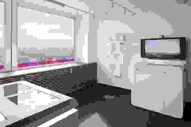 SHOWROOM Moderne Bürogebäude von _WERKSTATT FÜR UNBESCHAFFBARES - Innenarchitektur aus Berlin Modern