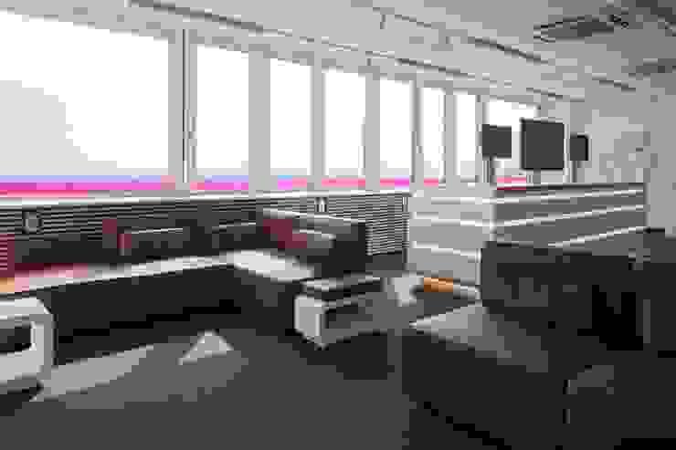LOUNGE Moderne Bürogebäude von _WERKSTATT FÜR UNBESCHAFFBARES - Innenarchitektur aus Berlin Modern