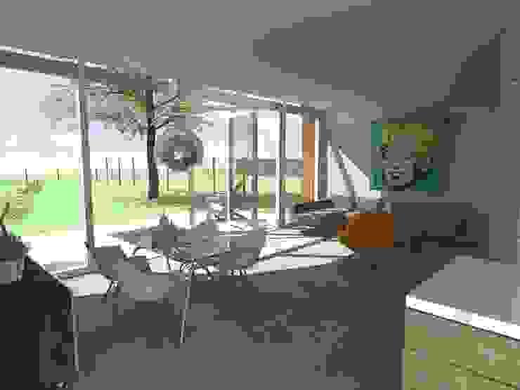 open woonkamer Moderne woonkamers van Studio FLORIS Modern Tegels