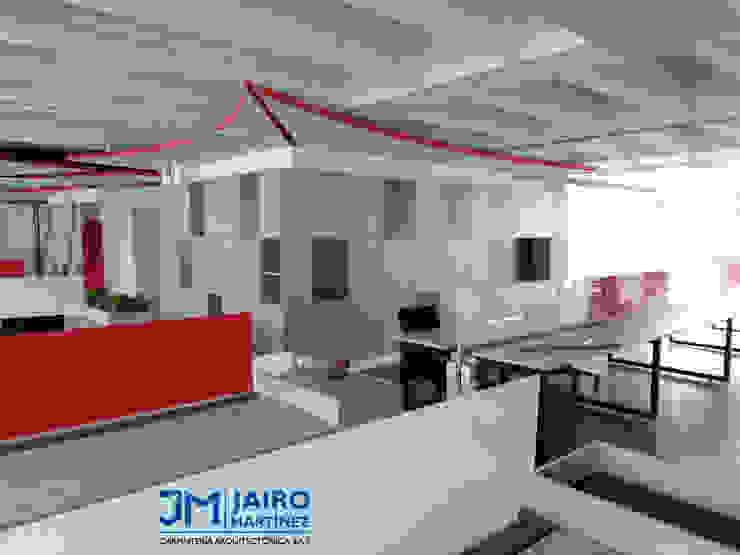 Módulos de Trabajo 8 Puestos, con Mueble de Remate y Matera de JAIRO MARTINEZ CARPINTERÍA ARQUITECTÓNICA SAS Moderno Aglomerado
