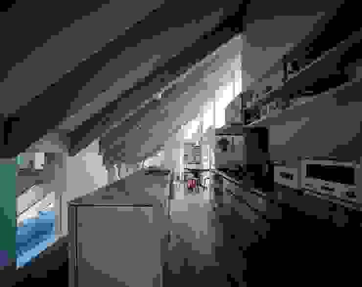 藤原・室 建築設計事務所 Modern kitchen Metal Grey