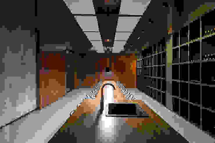 Sala de catas Gastronomía de estilo moderno de MEDITERRANEAN FUSION S.L. Moderno Hormigón