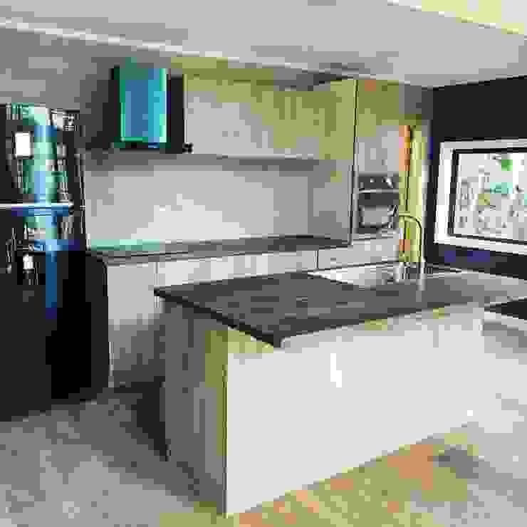 Casa Refugio - Puerto Varas Cocinas de estilo moderno de Civco Moderno