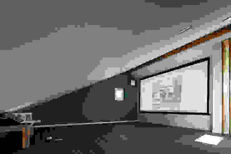 쉴만한물가 스칸디나비아 미디어 룸 by 소하 건축사사무소 SoHAA 북유럽